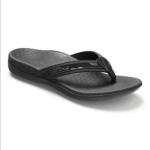 Vionic Tide II Orthopaedic Approved Flip Flops in Black Size 8